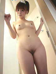 Nice asian chick Ikumi in amateur shoots - Japarn porn pics at JapHole.com