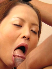 Schoolgirl Hinayo Motoki cleans man asshole