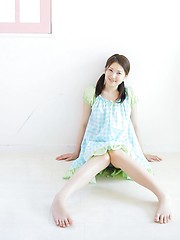 Nice asian slut Yua Hagiwara demonstrates her young wet pussy - Japarn porn pics at JapHole.com