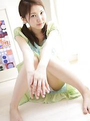 Nice asian slut Yua Hagiwara demonstrates her young wet pussy - Japarn porn pics at JapHole.com
