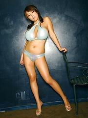 Harada Orei posing in blue bikini - Japarn porn pics at JapHole.com