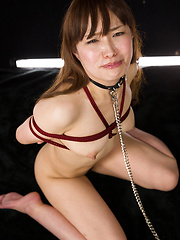 Roped girl from Tokyo loves to take it deep - Japarn porn pics at JapHole.com