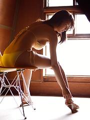Busty asian Asana Mamoru in great sexy posing - Japarn porn pics at JapHole.com