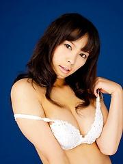 Sexy Kyoko Maki in white lingerie posing - Japarn porn pics at JapHole.com