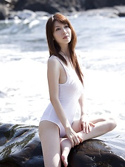 Skiny and sexy model Emi Kobayashi posing in several outfits - Japarn porn pics at JapHole.com