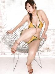 Hitomi Kitamura posing sexy big tits in yellow bikini - Japarn porn pics at JapHole.com