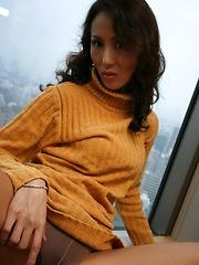 Japanese MILF Ayumi Matsuki masturbation - Japarn porn pics at JapHole.com