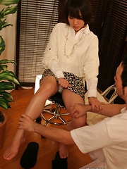 Japanese chick relaxing on massage table - Japarn porn pics at JapHole.com