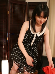 Japanese MILF takes off her clothes - Japarn porn pics at JapHole.com