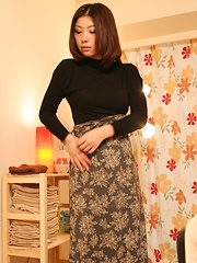 Small-titted japanese woman takes off her clothes - Japarn porn pics at JapHole.com