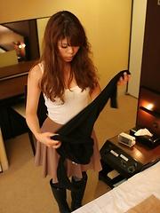 Japanese hole toying - Japarn porn pics at JapHole.com