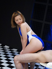 Kana Endo play with toys - Japarn porn pics at JapHole.com