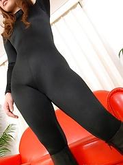 Reona Kanzaki in sexy black tight suit - Japarn porn pics at JapHole.com