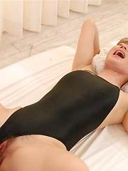 Japanese adult model Reona Kanzaki hardcore scene - Japarn porn pics at JapHole.com