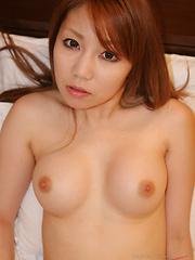 Yuria Kanno solo posing