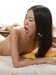 Young Angelina gets fucked bareback by a well hung masseur - Japarn porn pics at JapHole.com