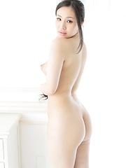 Hot japanese girl Nanami Kinomoto posing - Japarn porn pics at JapHole.com