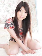Shiori Endo - Japarn porn pics at JapHole.com