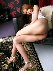 Hot japanese girl Rei - Japarn porn pics at JapHole.com