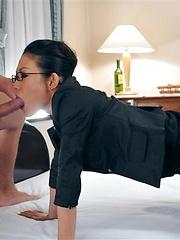 J Ecstasy - Yui Komine gets sperm on her face - Japarn porn pics at JapHole.com