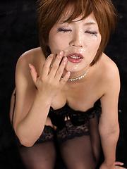 Short-haired japanese model Shiina Mizuho gets cock - Japarn porn pics at JapHole.com