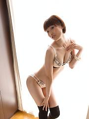 Short-haired japanese girl Mizuki