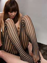 Hirako Saori in tight leggings - Japarn porn pics at JapHole.com