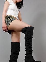 Yokoyama Natsuki foot fetish compilation - Japarn porn pics at JapHole.com