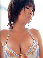 Asian model Hitomi Kitamura Posing - Japarn porn pics at JapHole.com