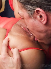 Aika Hoshino Asian has asshole fingered and puss licked at once - Japarn porn pics at JapHole.com