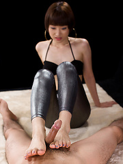 Sweet Japanese Feet - Japarn porn pics at JapHole.com