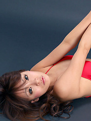 Yuki Aikawa Asian with leering curves in red bath poses so sexy - Japarn porn pics at JapHole.com