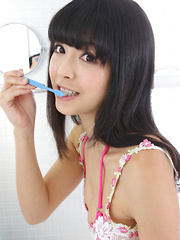 Sakura Sato Asian is sexy even when brushing her hair and teeth - Japarn porn pics at JapHole.com