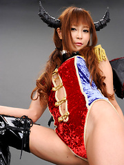 Sayuri Ono Asian in long boots and warrior suit shows leering ass - Japarn porn pics at JapHole.com