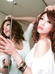 Glam Aya Sakuraba poses and blows a thick shaft - Japarn porn pics at JapHole.com