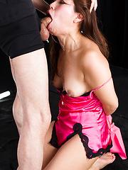 Suda Natsuki deepthroats - Japarn porn pics at JapHole.com