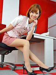 Hot Ichika Nishimura is sweet office babe that loves to amaze us - Japarn porn pics at JapHole.com