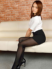 Rina Itoh Asian in office outfit has sexy legs in stockings - Japarn porn pics at JapHole.com