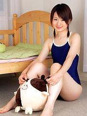 Naoko Sawano Asian in bath suit puts pillow between her sexy legs - Japarn porn pics at JapHole.com