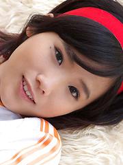Yuzuki Hashimoto Asian does gym exercises and enjoys ice cream - Japarn porn pics at JapHole.com