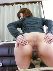 Ibuki Akitsu with stopper in ass squirts while is pumped in twat - Japarn porn pics at JapHole.com