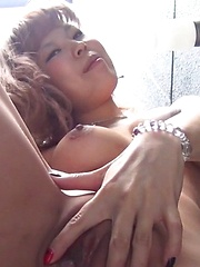 Stripping Out In Public - Japarn porn pics at JapHole.com