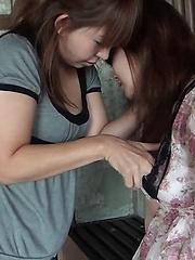 Peeing Lesbians Strap-On A Show - Japarn porn pics at JapHole.com