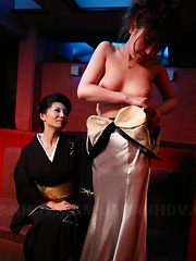 Sayuri Mikami licked in a smutty FFM threeway - Japarn porn pics at JapHole.com