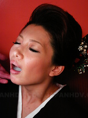 Sayuri Mikami chows down on two erect dongs