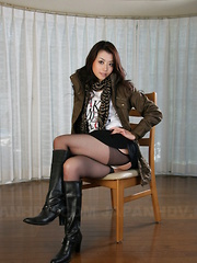 Sayuri Shiraishi posing and spreading legs. - Japarn porn pics at JapHole.com