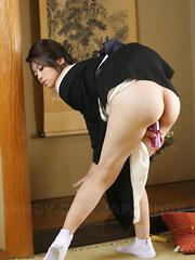 Sayuri Shiraishi moans during solo action. - Japarn porn pics at JapHole.com