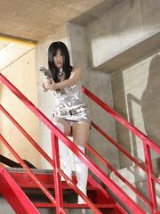 Shizuka Minami caught saving the fucked girl. - Japarn porn pics at JapHole.com