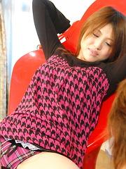 Hot teen Rino Mizusawa gets fingered good - Japarn porn pics at JapHole.com