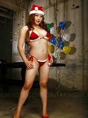 Arousing Mirai Haneda poses in her bikini - Japarn porn pics at JapHole.com